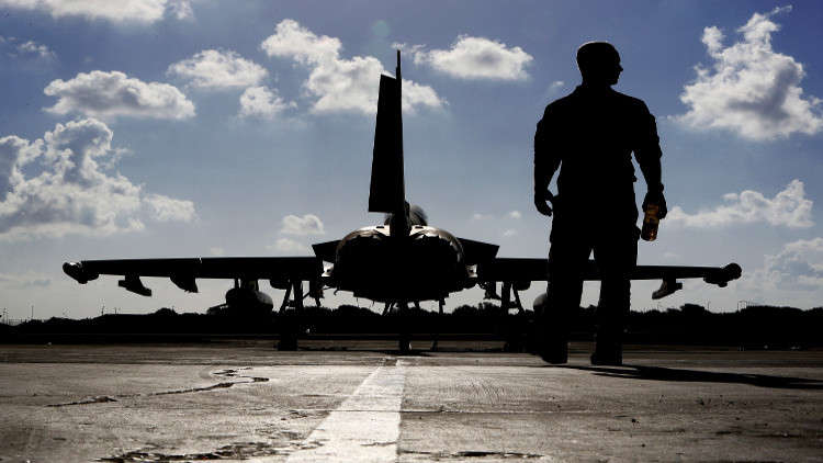 سرب من المقاتلات البريطانية لتأمين المجال الجوي القطري