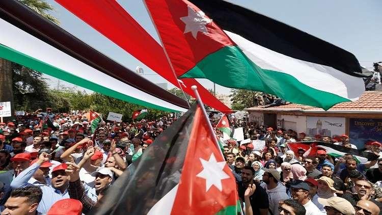 الأردن.. النقابات تتراجع عن إعطاء مهلة للحكومة وتتمسك بالإجراءات التصعيدية