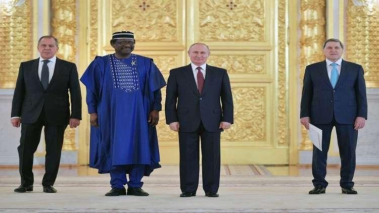 السفير النيجيري لدى موسكو..روسيا بلد الأمن والأمان وأدعو الجميع إلى المونديال