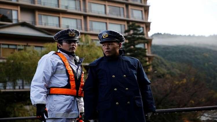 مسلح بسكين يهاجم ركاب قطار سريع في اليابان
