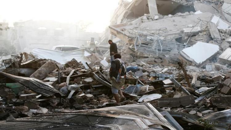 اشتباكات عنيفة بين قوات موالية لهادي والحوثيين قرب الحديدة
