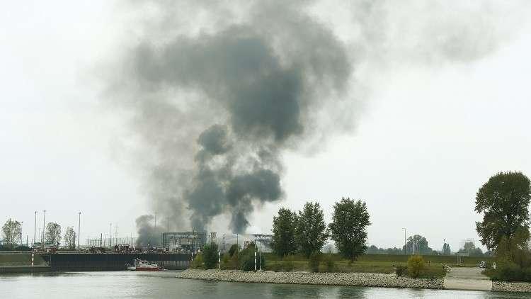 حريق ضخم في مصنع لـ