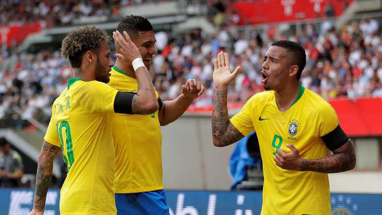 البرازيل تضرب بقوة قبل المونديال
