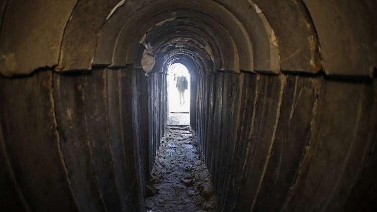 إسرائيل تدمر نفقا بحريا في قطاع غزة