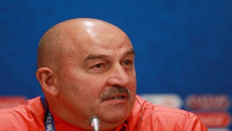 مدرب المنتخب الروسي يدعو أصحاب الشوارب لحضور مباراة روسيا والسعودية