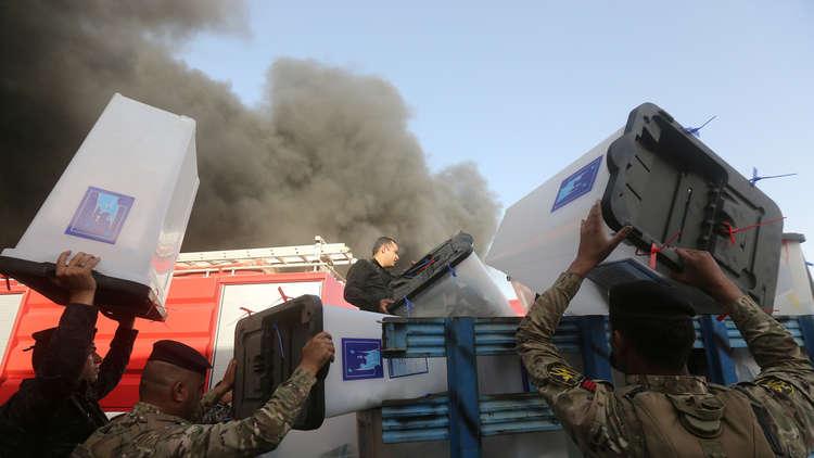 الداخلية العراقية: استخدم البنزين في حريق مخازن مفوضية الانتخابات