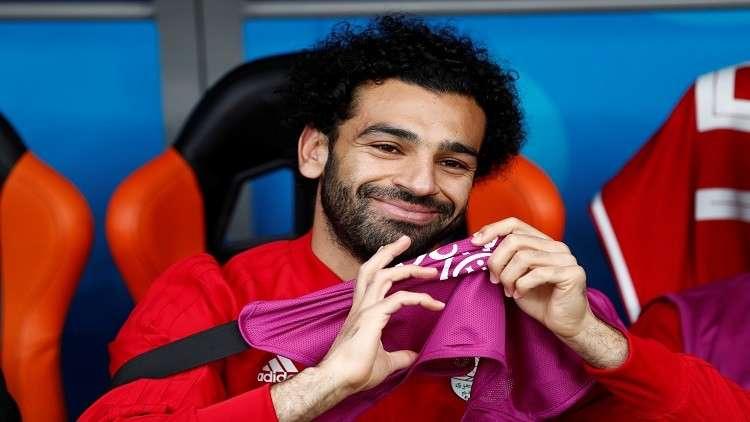 مفاجأة سارة تعيد الابتسامة إلى وجه محمد صلاح