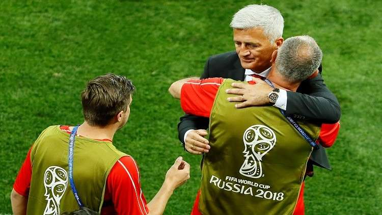 مدرب سويسرا فخور بمنتخبه بعد التعادل أمام البرازيل