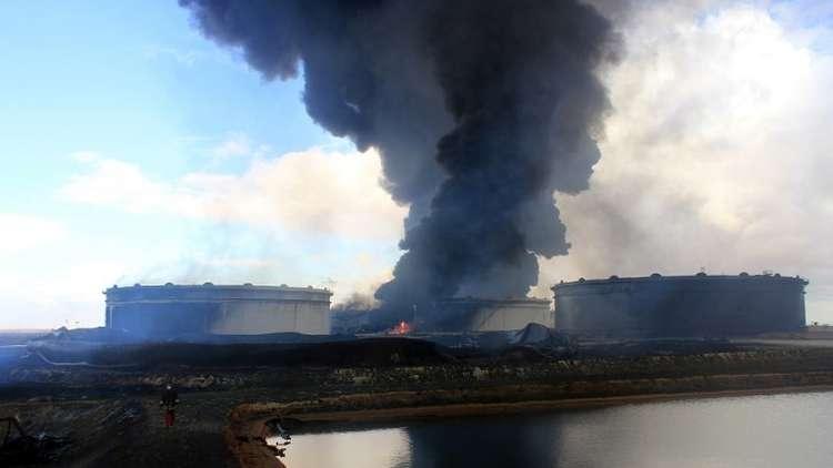 ليبيا.. نصف موانئ تصدير النفط تعود إلى قبضة