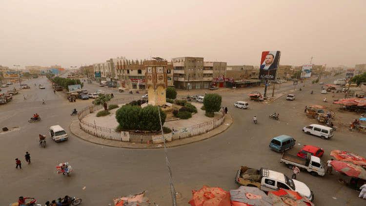 اليمن .. تواصل احتدام المعارك رغم التحذيرات من كارثة إنسانية