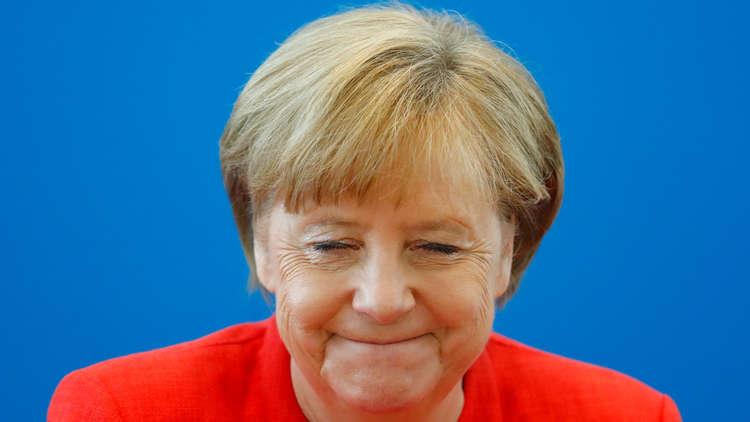 ميركل تقبل مهلة أسبوعين لإيجاد حل أوروبي لمشكلة الهجرة