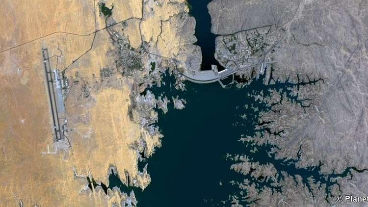 لماذا ينتظر المصريون صافرة الباخرة السودانية قرب