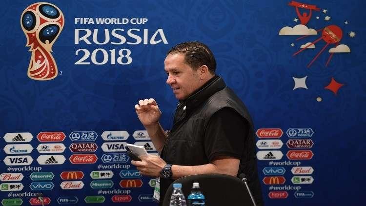 معلول يرد على منتقديه لتلاوة الفاتحة قبل مواجهة إنجلترا (فيديو)