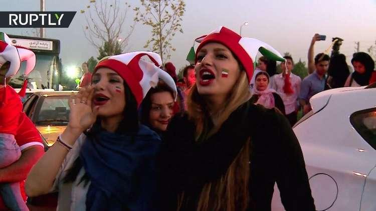 إيرانيات يدخلن ملعب آزادي للمرة الأولى منذ 1979