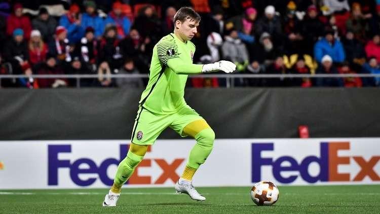 رسميا.. ريال مدريد يضم الحارس الأوكراني الشاب لونين