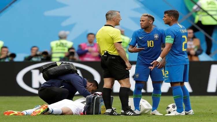 نيمار يهين قائد منتخب بلاده خلال مباراة  كوستاريكا