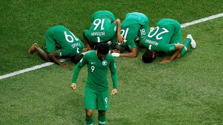"""""""عكاظ"""" السعودية تعتذر عن عنوانها الساخر من منتخب الفراعنة"""