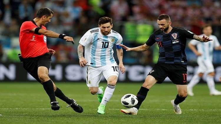 الأرجنتين وميسي أمام مباراة الفرصة الأخيرة