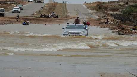إعصار ماكونو يخلف عدة مشاكل في سقطرى