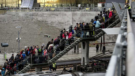 اللاجئون في السويد، أرشيف