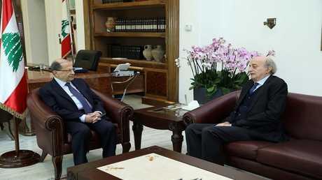 أرشيف - ميشال عون ووليد جنبلاط في القصر الرئاسي في بعبدا، لبنان، 27 نوفمبر 2017