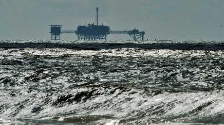الغاز في البحر