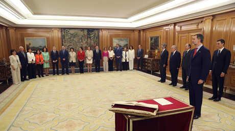 الحكومة الاسبانية الجديدة تؤدي اليمين الدستورية أمام الملك فيليبي السادس