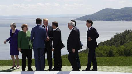زعماء الدول المشاركة في قمة G7 في كندا، إضافة إلى رئيس المفوضية الأوروبية جان كلود يونكر
