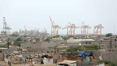 مشهد من ميناء الحديدة في اليمن