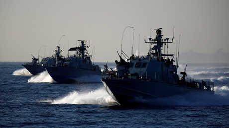 سفن حربية من البحرية الإسرائيلية قرب ميناء أسدود (أرشيف)
