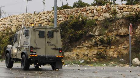 عربة للجيش الإسرائيلي في الضفة الغربية