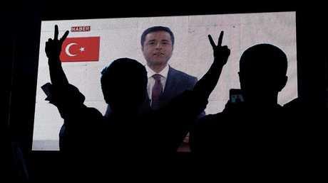 """كلمة مصورة لمرشح حزب """"الشعوب الديمقراطي"""" صلاح الدين دميرطاش"""
