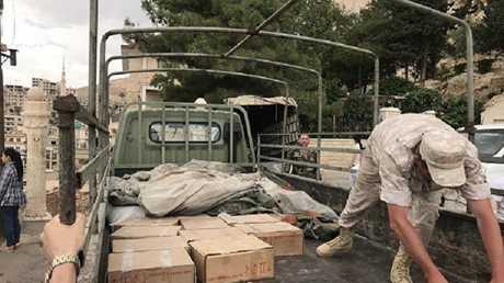 الجيش الروسي ينقل مساعدات إنسانية إلى دير سيدة صيدنايا بريف دمشق