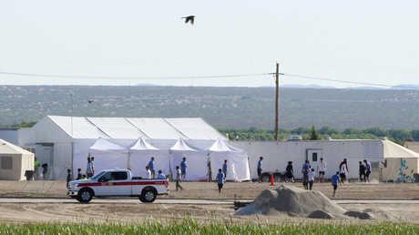 مخيم لأطفال المهاجرين بالقرب من الحدود الأمريكية، المكسيك