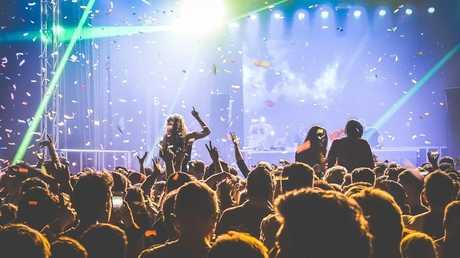 لماذا تمنحنا الموسيقى الحية صرخة الرعب؟