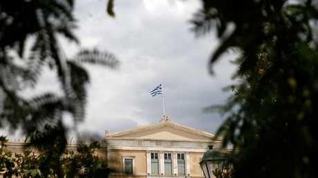 أثينا تطوي صفحة أزمتها المالية