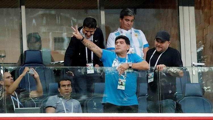 مارادونا يعلق على