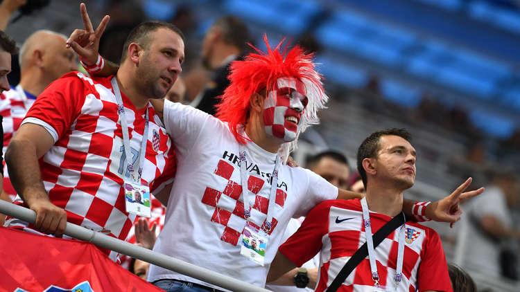 شاهد.. مشاعر المشجعين الكرواتيين أثناء ركلات الترجيح