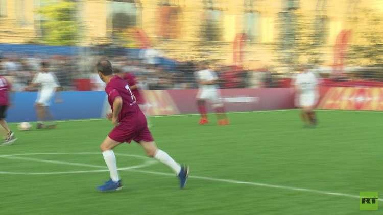 مباراة روسية قطرية ودية بكرة القدم على الساحة الحمراء
