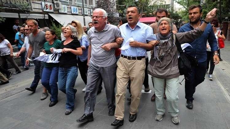 فصل أكثر من 18 ألف موظف تركي بمرسوم واحد