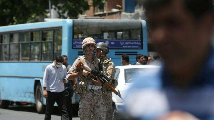 اشتباكات ومقتل شرطي شرقي إيران
