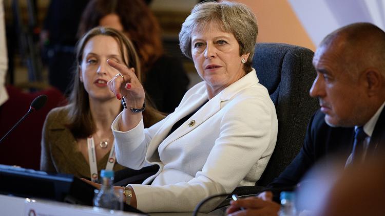 بريطانيا: فيسبوك متورطة في فضيحة كبرى تخص