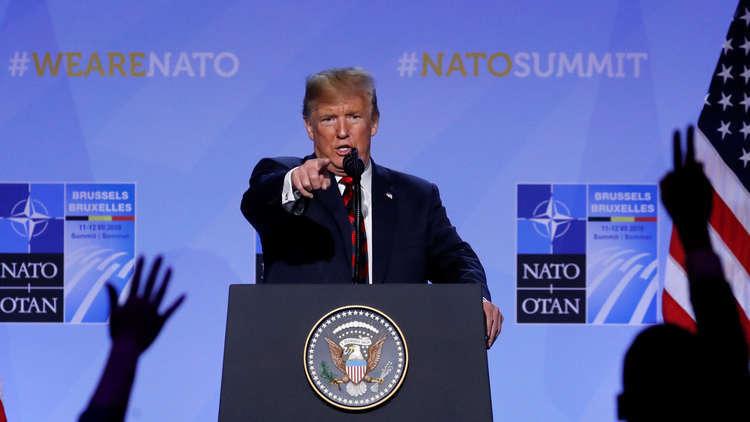 ترامب يعلن أنه يستطيع الانسحاب من الناتو ويصف القمة بأنها