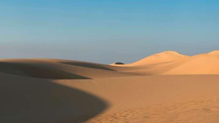 مصر.. العلاج بالدفن في الرمال (صور)