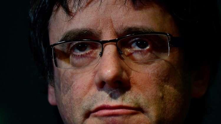 صحيفة: إسبانيا لن توافق على تسليم بوتشديمون بتهمة الاختلاس فقط