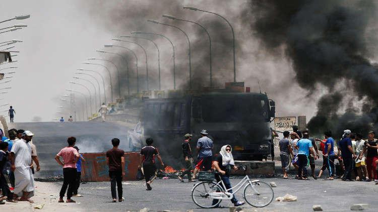 العبادي يصل إلى البصرة في ظل تصاعد الاحتجاجات