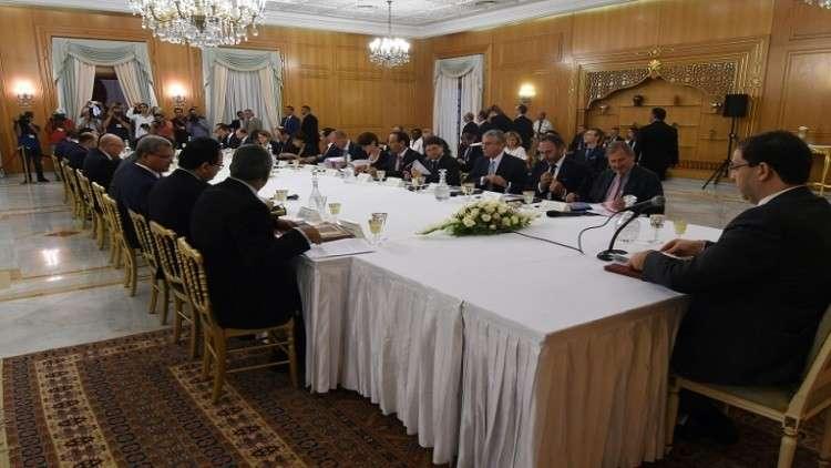 مؤسسات تمويل دولية تدعم الحكومة التونسية مقابل تنفيذ شروطها