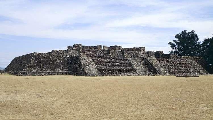 زلزال قاتل يكشف عن أقدم معبد داخل هرم المكسيك