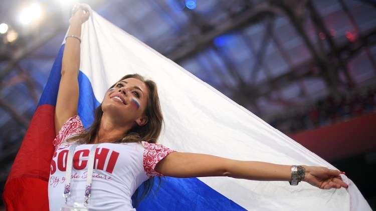 """""""الفيفا"""" يتدخل لمنع تصوير المشجعات المثيرات في مونديال روسيا"""