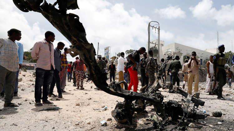 قتلى وجرحى في هجوم انتحاري وسط عاصمة الصومال.. و